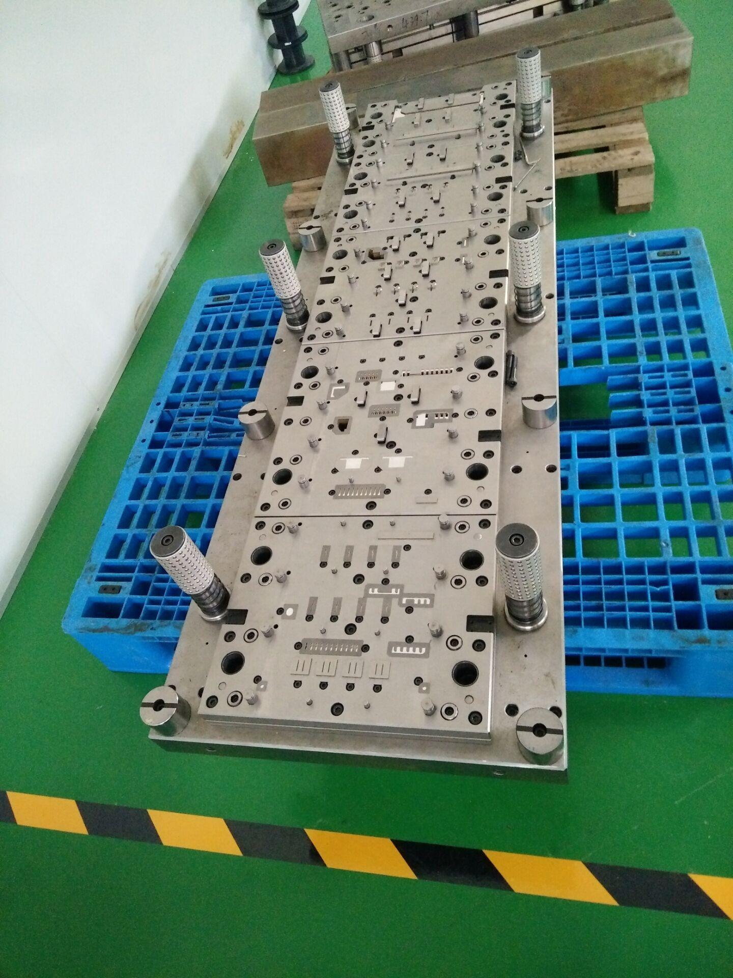 冲压模具Punching mold